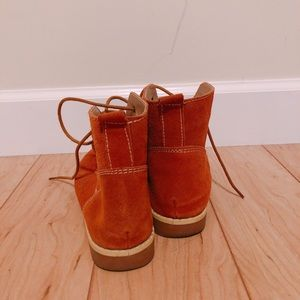 Shoes - Brown short boots in mint condition